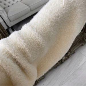 ekattire Sweaters - GEWN— in Cream